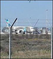 Παραδόθηκε ο δράστης της αεροπειρατείας στην Κύπρο