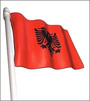 Η Ελλάδα πρώτη επενδυτική δύναμη στην Αλβανία