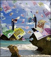 BBG: Τραπεζικό swap ομολόγων 33 δισ. στο σχέδιο για ελληνικό χρέος