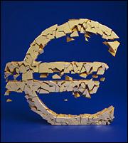 Τα 3+1 θανάσιμα αμαρτήματα για το ευρώ