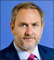 Πανούσης (Eurobank): Εξυπηρετούμενα τα δάνεια της «κρίσης»