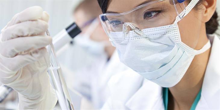 Τεστ αίματος ανιχνεύει ποιος κινδυνεύει περισσότερο για σοβαρή Covid-19