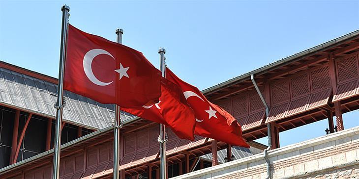 Εξαρση κρουσμάτων στην Τουρκία, νέα μέτρα περιορισμού