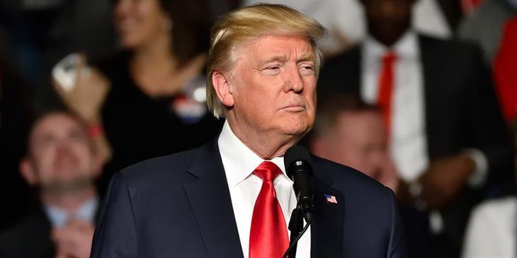 Επιβολή καραντίνας στη Νέα Υόρκη εξετάζει ο πρόεδρος Τραμπ