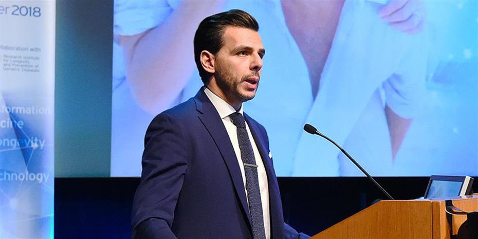 Στην ετήσια τελετή αποφοίτησης του LSE ο Β. Αποστολόπουλος