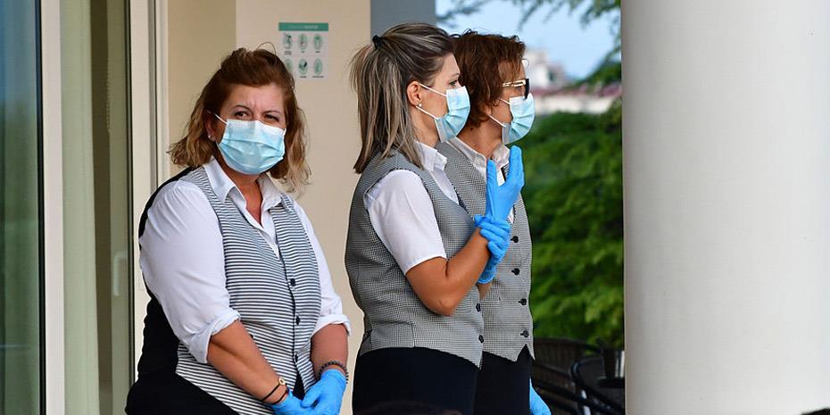 Η διπλή μάσκα αυξάνει 80% την προστασία από κορωνοϊό