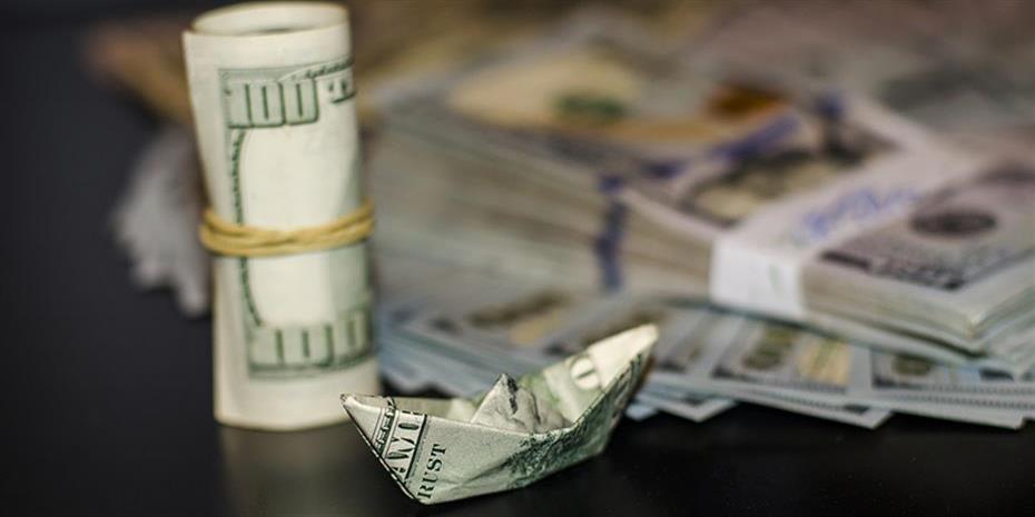 Τα σχόλια του Πάουελ ρίχνουν το δολάριο