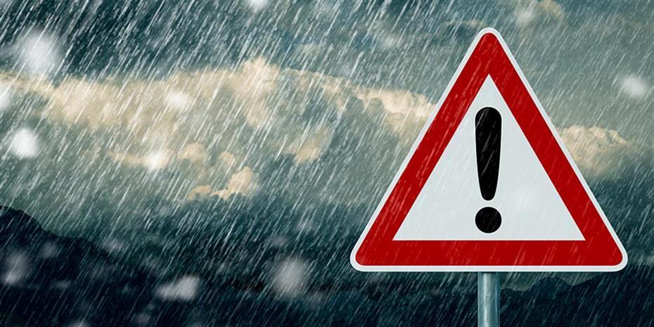 Θεσσαλονίκη: Πλημμυρισμένοι δρόμοι και υπόγεια από την καταρρακτώδη βροχή