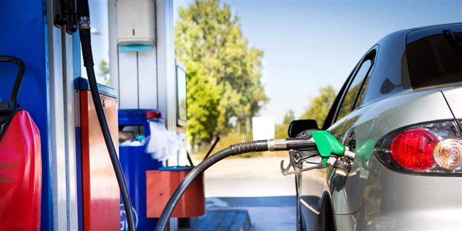 ΡΑΕ: Σχέδιο επιβολής πλαφόν στις τιμές των υγρών καυσίμων