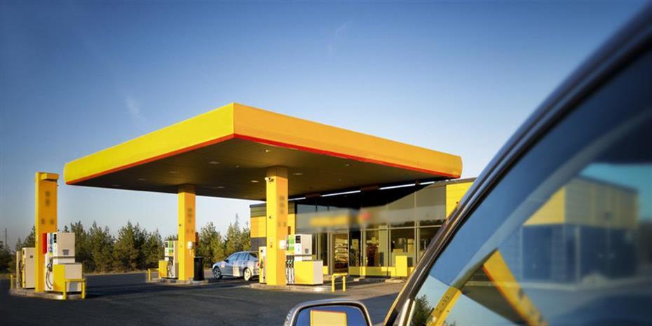 Βουτιά τιμών και ζήτησης στα καύσιμα