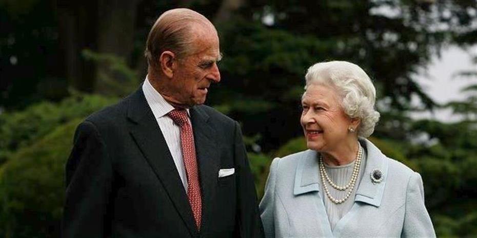 Εμβολιάστηκαν η βασίλισσα Ελισάβετ και ο πρίγκιπας Φίλιππος για κορωνοϊό