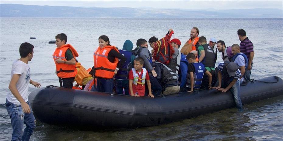 Πρόστιμα €5.500 για όσους διασώζουν πρόσφυγες στην Ιταλία