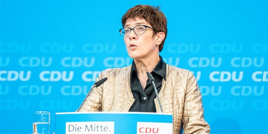 Κάρενμπαουερ: Ποια είναι η νέα αρχηγός του CDU