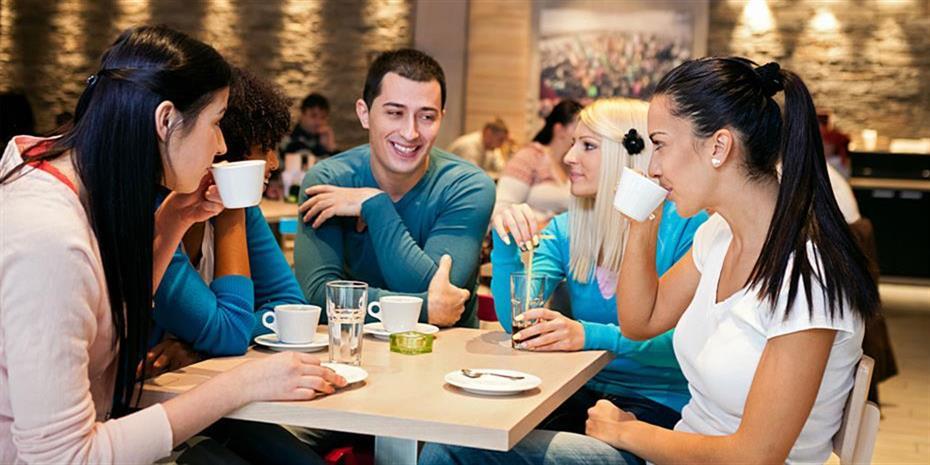 Σε μπαρ και καφέ εξαντλείται η επιχειρηματικότητα των Ελλήνων!