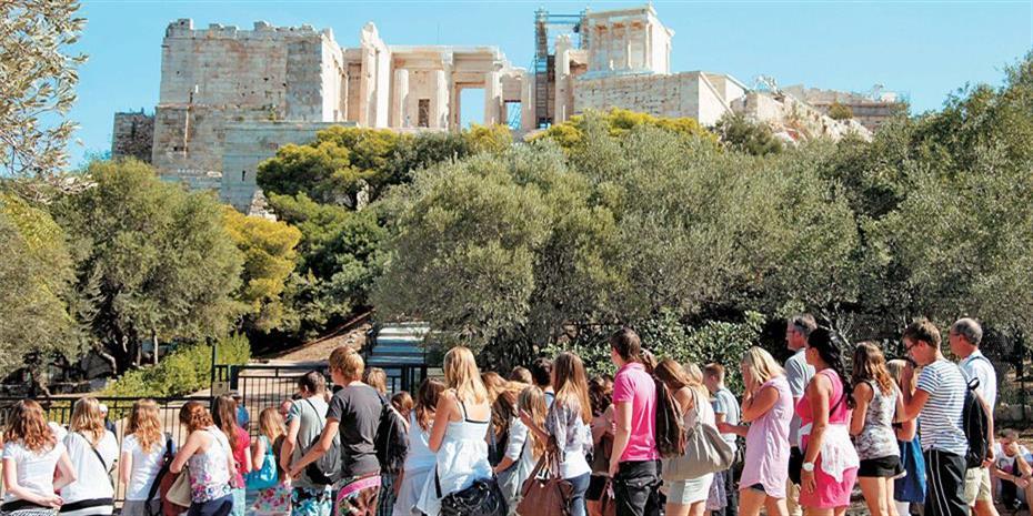 Αύξηση 16% στην κατά κεφαλή δαπάνη τουριστών