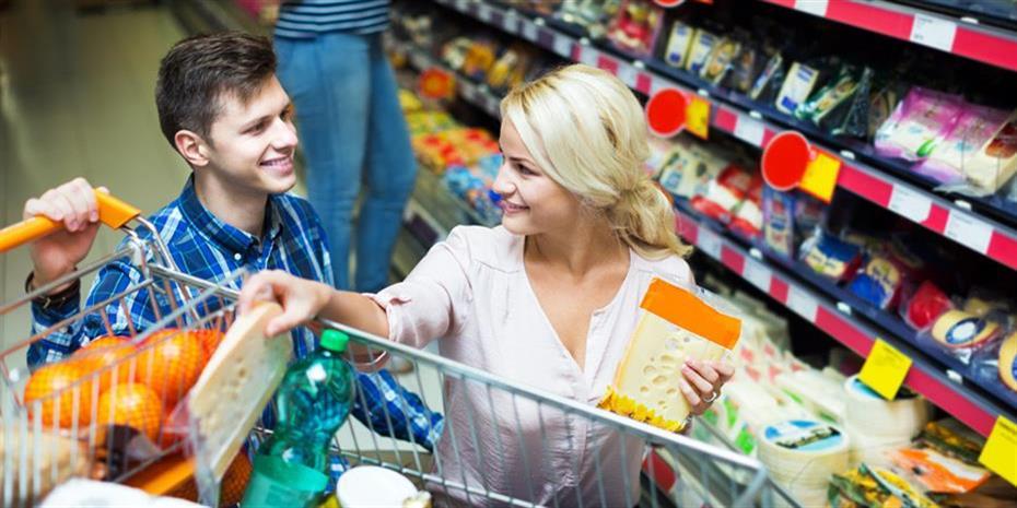 Επέλαση στα σούπερ μάρκετ από τους Γερμανούς λόγω κορωνοϊού