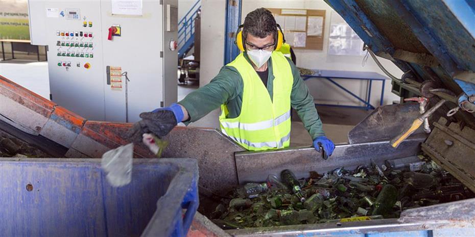 «Καμπάνες» στους δήμους που θάβουν απορρίμματα