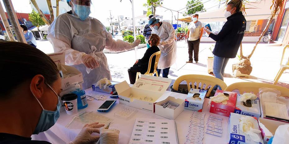 Κορωνοϊός: 2.919 κρούσματα με εκτόξευση τεστ στις 348.000