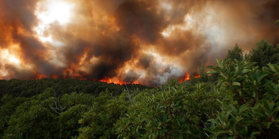 Ολονύχτια μάχη με τις φλόγες στο μέτωπο της Αρκαδίας
