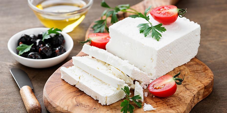 Εισαγγελέας για εταιρεία που ελληνοποίησε 7,7 τόνους βουλγαρικό τυρί