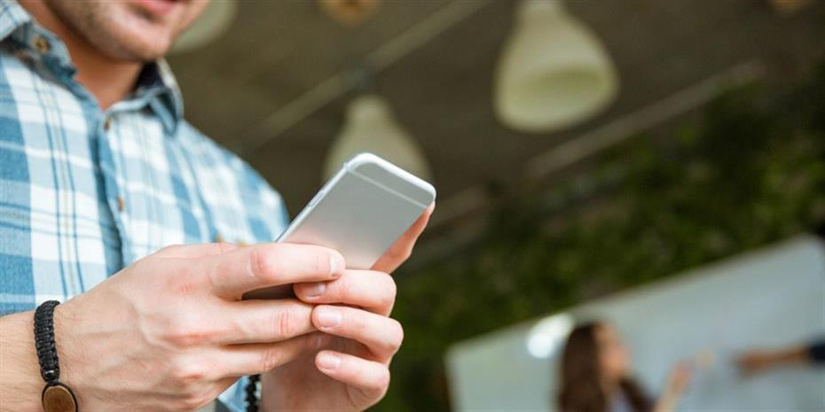Φθηνά κινητά 5G δίνουν νέο αέρα στην αγορά