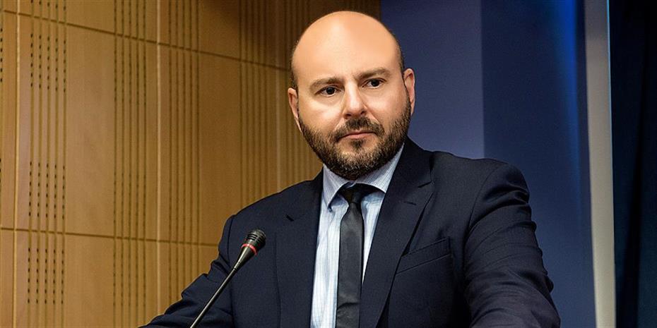 Στασινός: Η κυβέρνηση να αποσύρει τις διατάξεις για αιγιαλό