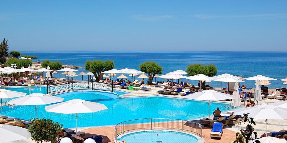 ΙΝΣΕΤΕ: Πώς επηρεάζει τον τουρισμό στην Ελλάδα η διεθνής ύφεση