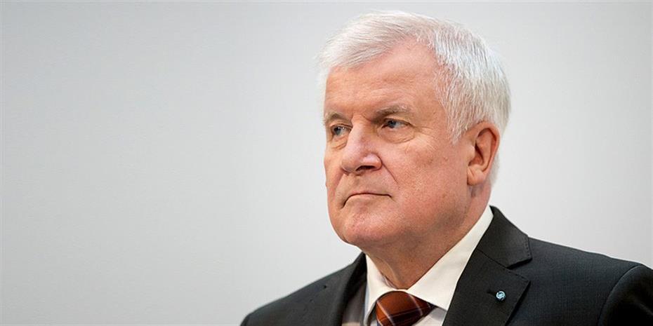 Die Zeit: Παραιτείται από την προεδρία του CSU ο Ζεεχόφερ