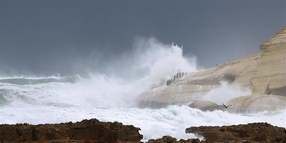 Κέρκυρα: Eντονα καιρικά φαινόμενα και σφοδρή χαλαζόπτωση έπληξαν το νησί