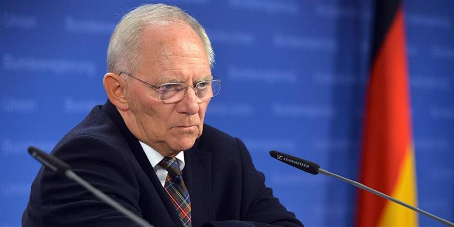 Spiegel: O Σόιμπλε και ο χαμένος πόλεμος για το Grexit