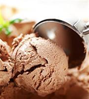 Ωθηση στην αγορά παγωτού από τον καύσωνα