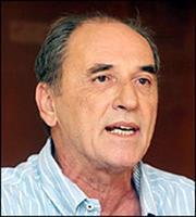 «Κόντρα» Σταθάκη-Χατζηδάκη για οικονομία και βιομηχανία