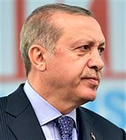 Ο Ερντογάν πιέζει για αλλαγή της συμφωνίας στο προσφυγικό