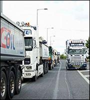 Μπάχαλο στο Θριάσιο μετά την απαγόρευση κυκλοφορίας φορτηγών!
