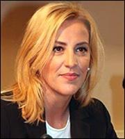 Κακόβουλη εκστρατεία SMS καταγγέλλει η Ρένα Δούρου