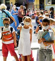 Σε επιφυλακή η Κυβέρνηση για τα κρούσματα στα σχολεία
