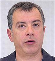Θεοδωράκης: Η κυβέρνηση βρίσκεται σε εφηβικό παροξυσμό