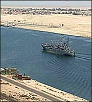 Οι ΗΠΑ προσφέρουν βοήθεια στην Αίγυπτο για να ανοίξει η Διώρυγα του Σουέζ