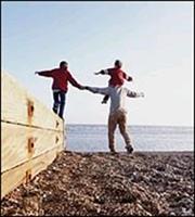 «Βίοι αντίθετοι» για ασφαλιστικές και... ασφαλιστές