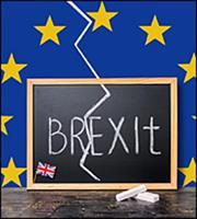 Χάμοντ-Φοξ συμφωνούν σε μεταβατική περίοδο για το Brexit