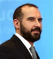 Τζανακόπουλος: Ανάπτυξη με επίκεντρο τους εργαζόμενους