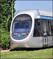 Σε ένα χρόνο η λειτουργία της επέκτασης του τραμ προς Πειραιά