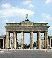 Γερμανικό ΥΠΟΙΚ: Απαραίτητο το ΔΝΤ στο ελληνικό πρόγραμμα