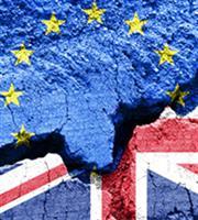 Το Λονδίνο δεν θα απελάσει αυτομάτως τους Ευρωπαίους μετά το Brexit