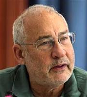 Stiglitz: Εντυπωσιακές οι πρώτες 100 ημέρες του Τζό Μπάιντεν στο τιμόνι των ΗΠΑ