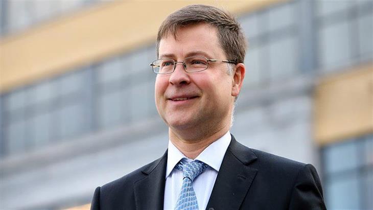Ντομπρόβσκις: Ξεκινούν οι προετοιμασίες για επιστροφή της Ελλάδας στις αγορές
